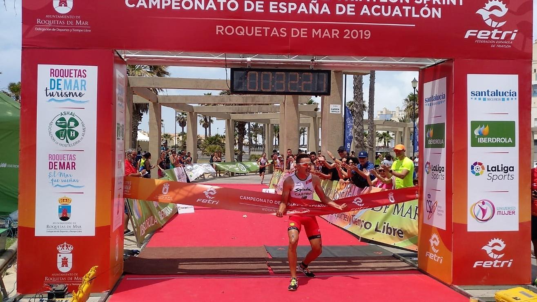 David Castro Fajardo Campeón de España Elite de Acuatlón y Angel Sánchez Carreras Campeón de España Junior de Triatlón y Acuatlón 2019
